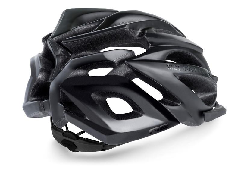 R2 helma PRO-TEC černá