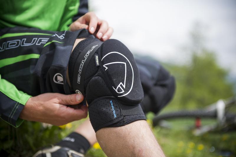 Endura chránič na kolena Singletrack knee protector