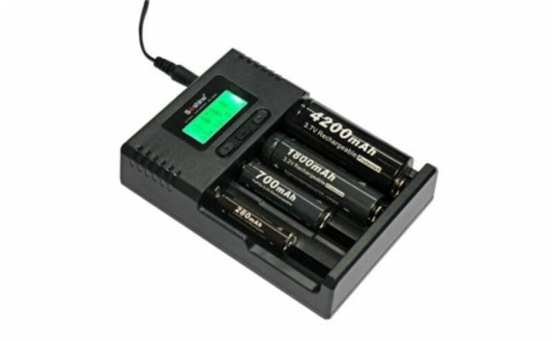 Bezvakolo Uni. nabíječka Soshine H4 s LCD (Li-Ion, NiMH, LiFePo4)